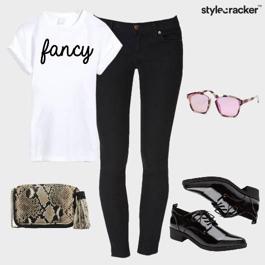 Tshirt Jeans Casual DayOut - StyleCracker