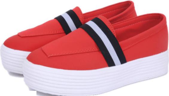Red Canvas - 476597-3507 - StyleCracker